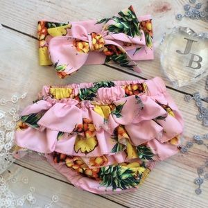 Other - Boutique Baby Newborn Ruffle Bloomers & Headband